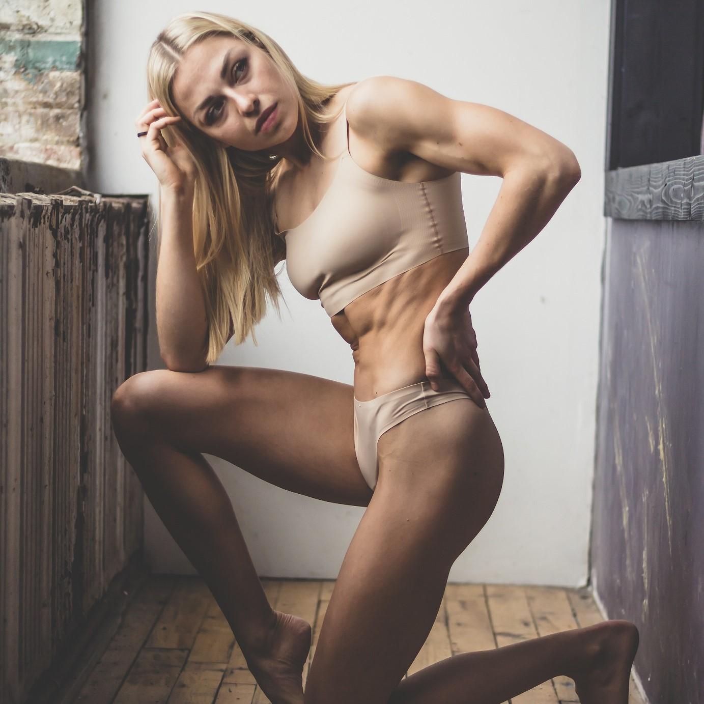 Fettreduktion oder Muskelaufbau: Was zuerst?